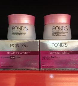 Pond's Flawless White Brightening
