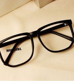 Kacamata Kaca Bening